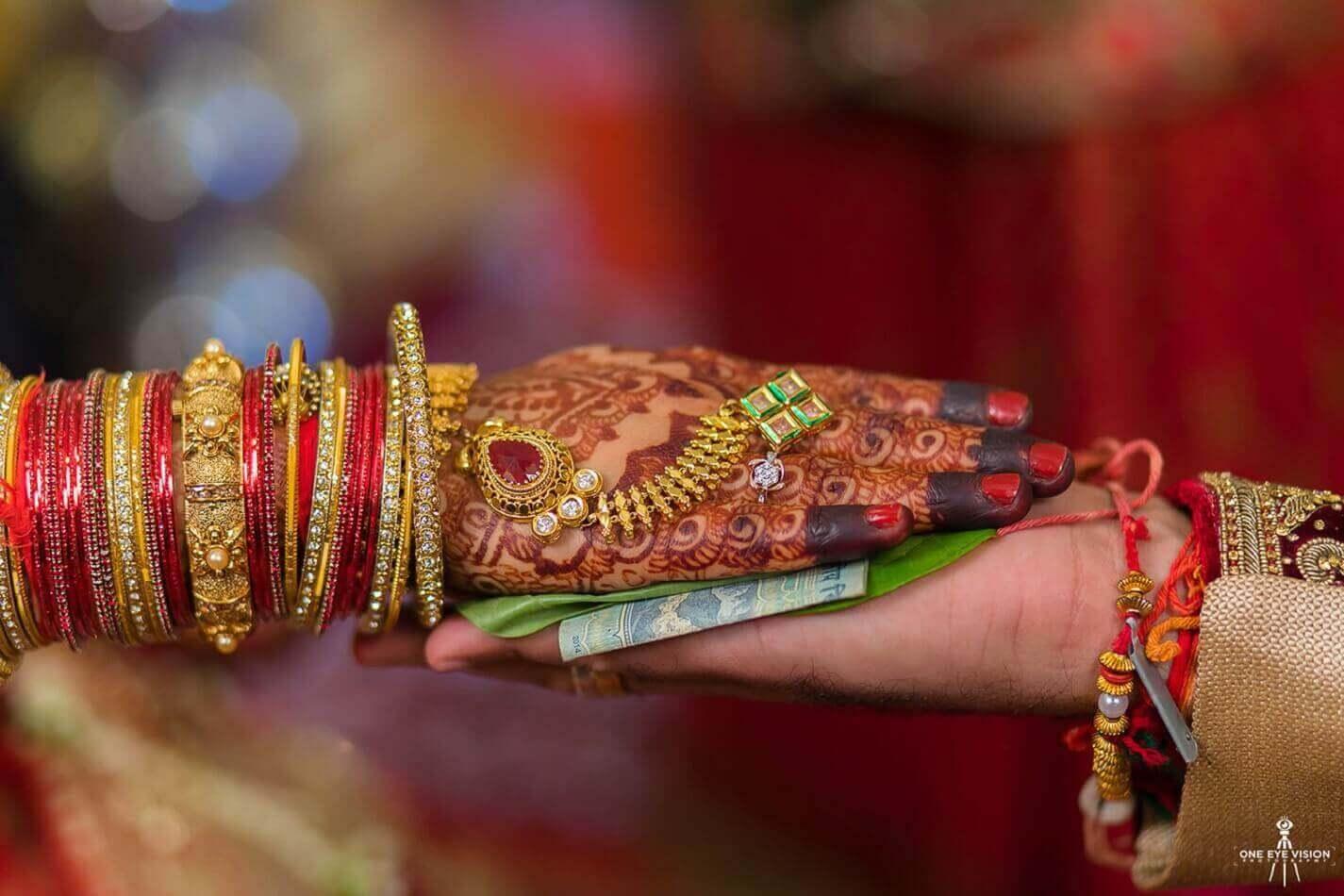 Визаж молодой невесты на церемонии бракосочетания