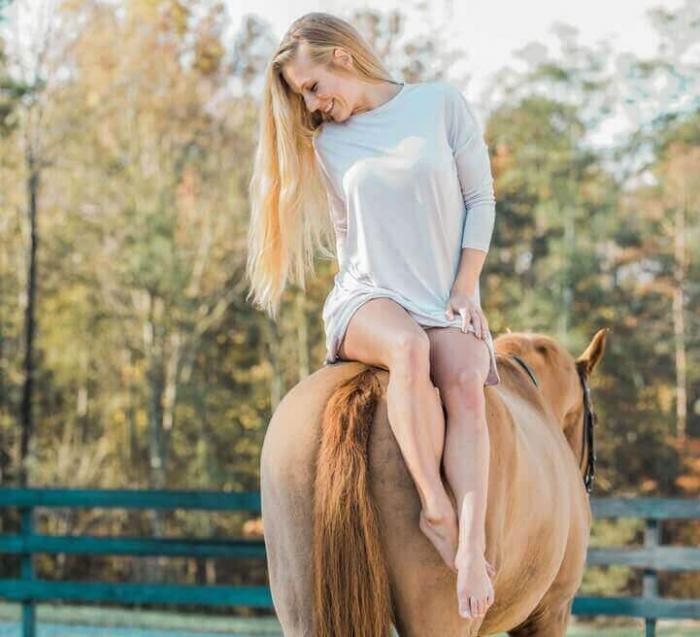 Красота лошадей и наездниц – на фото Кирстен ЛаШанс