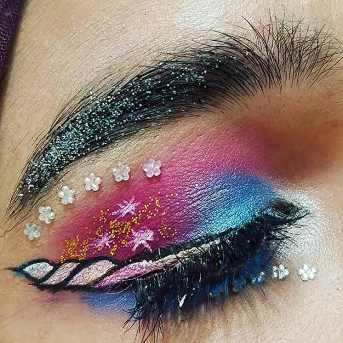 макияж глаз в форме рога единорога, фото 17