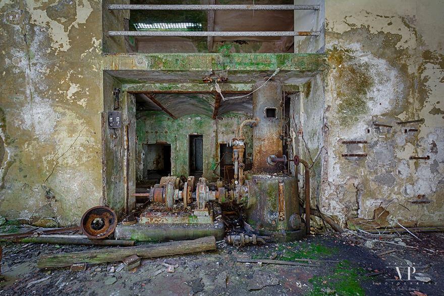 заброшенная электростанция