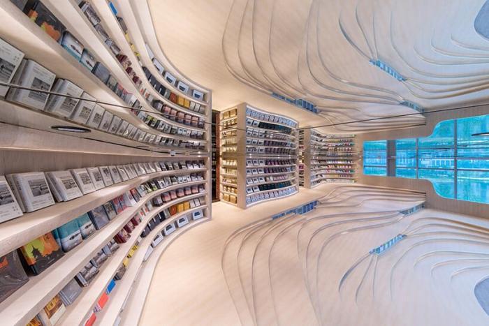 Книжный магазин в центре Чэнду обладает невероятным культурным шармом