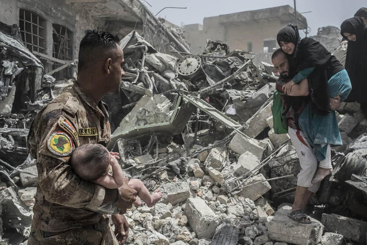 иракский город Мосул во время боев, фото 1