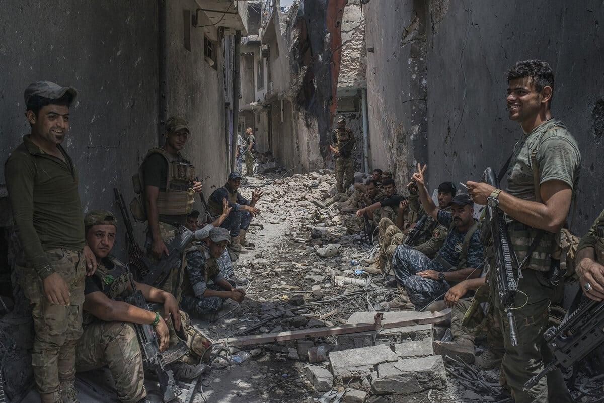 иракский город Мосул во время боев, фото 10