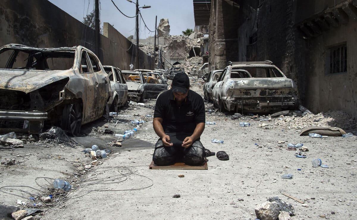 иракский город Мосул во время боев, фото 13