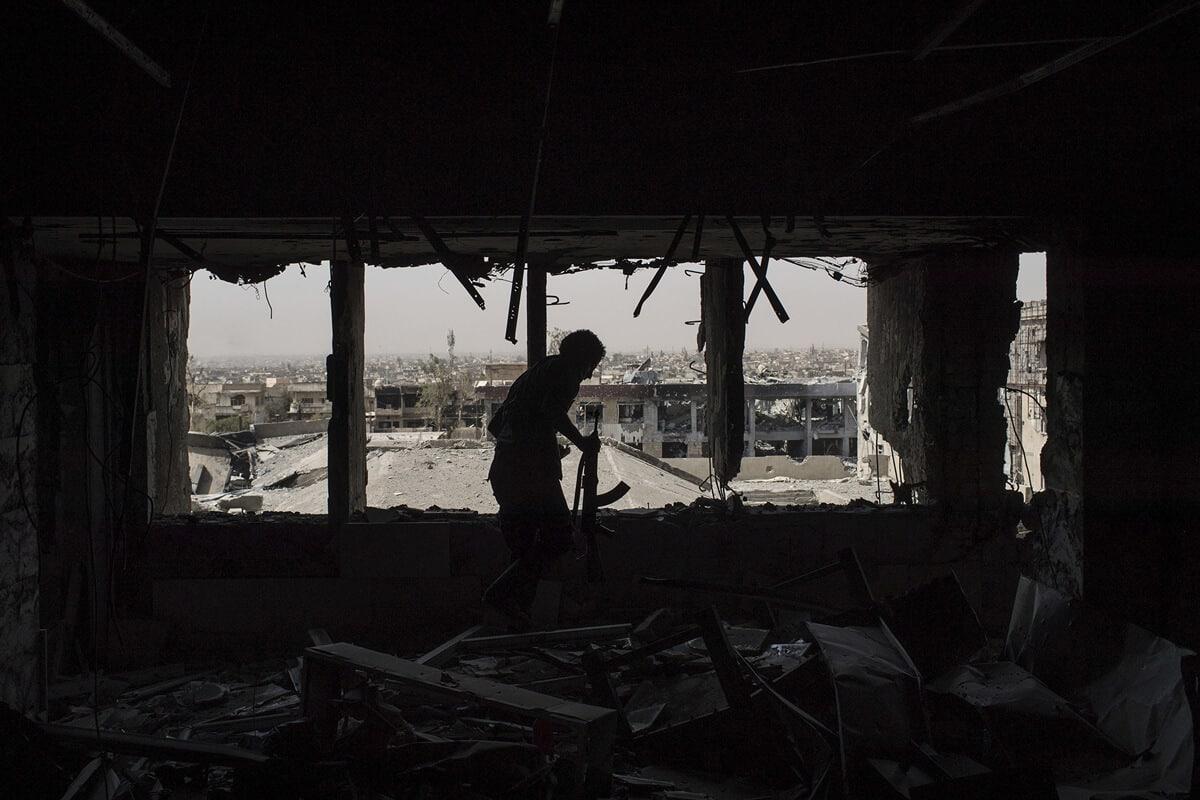 иракский город Мосул во время боев, фото 15