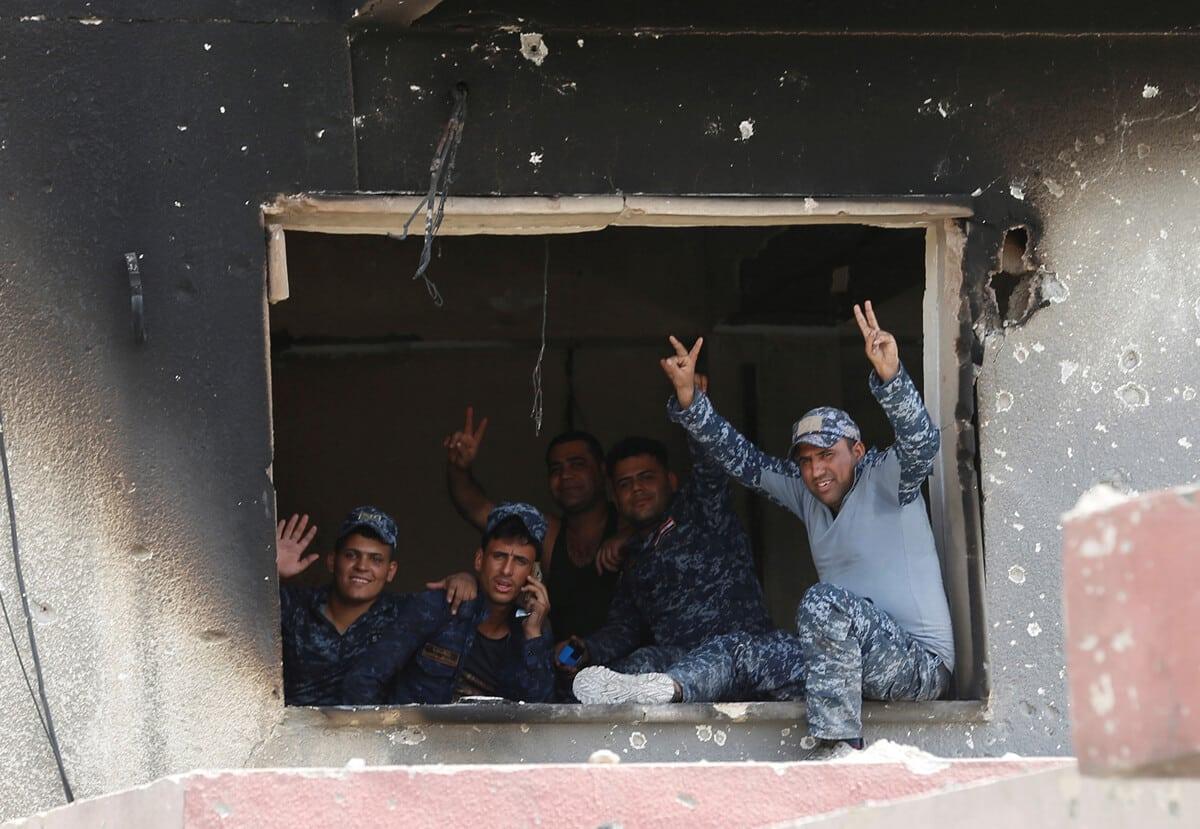 иракский город Мосул во время боев, фото 19