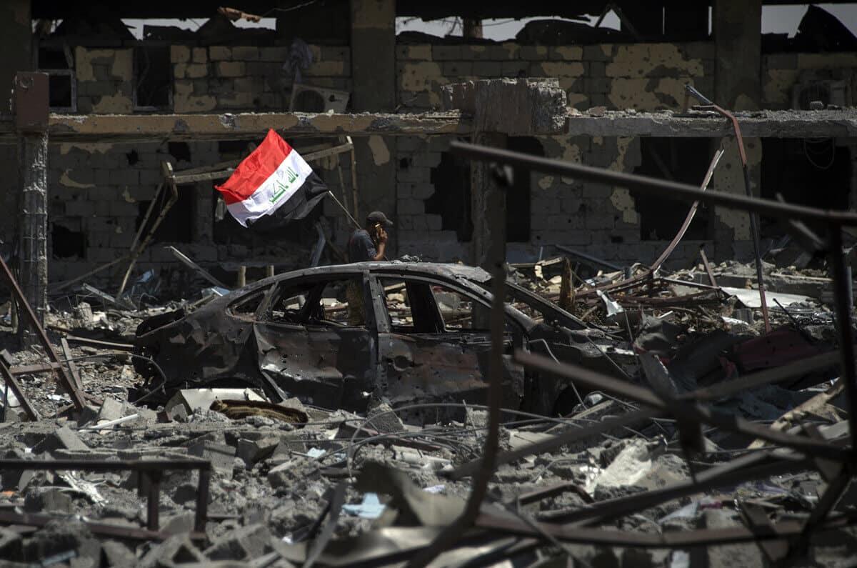 иракский город Мосул во время боев, фото 20