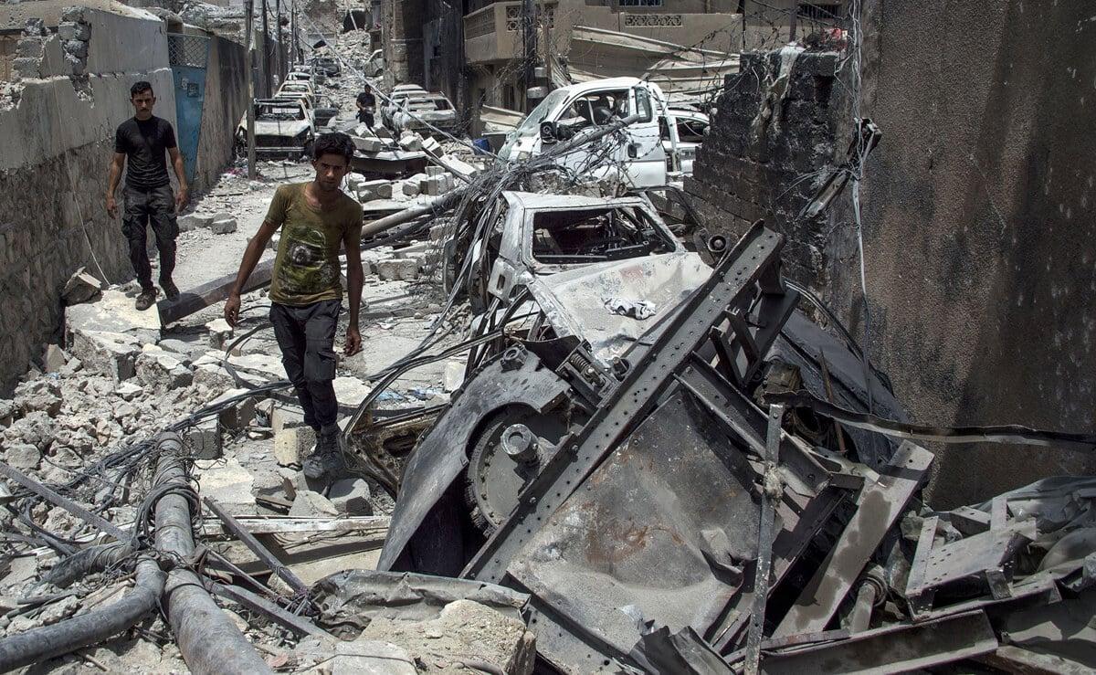 иракский город Мосул во время боев, фото 24