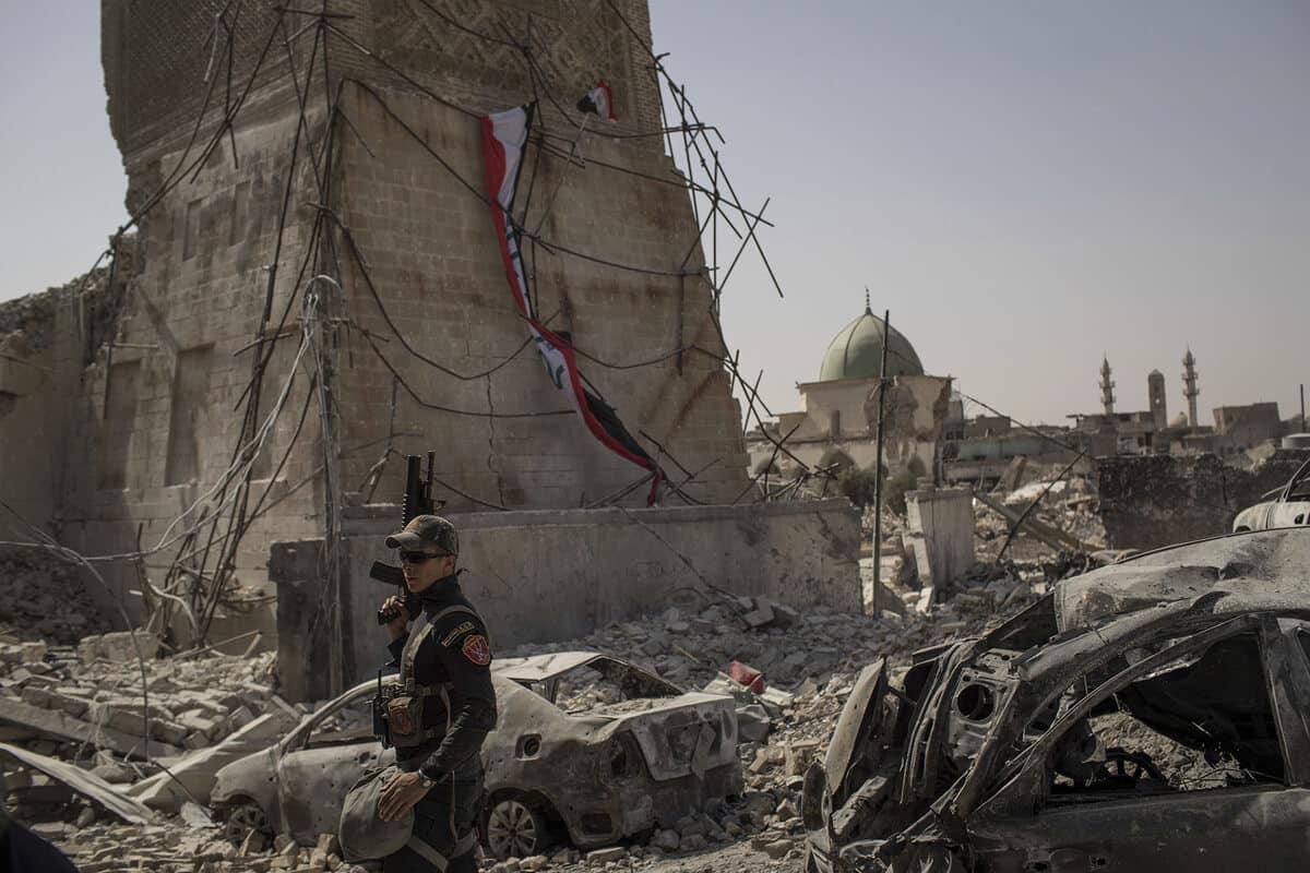 иракский город Мосул во время боев, фото 25