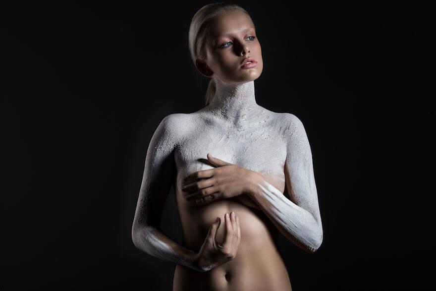 Оригинальная фотосессия - Стихии вместо одежды, фото 11