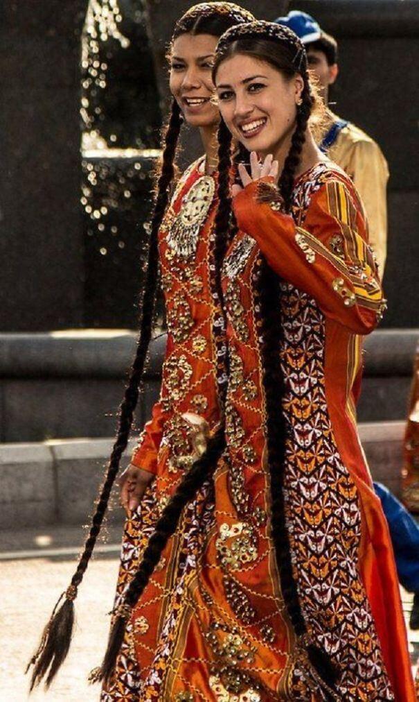 женщины в традиционных костюмах, Турция, фото 1