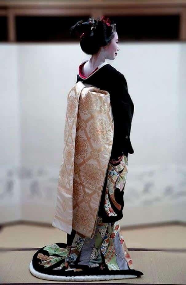 женщины в традиционных костюмах, Япония, фото 10