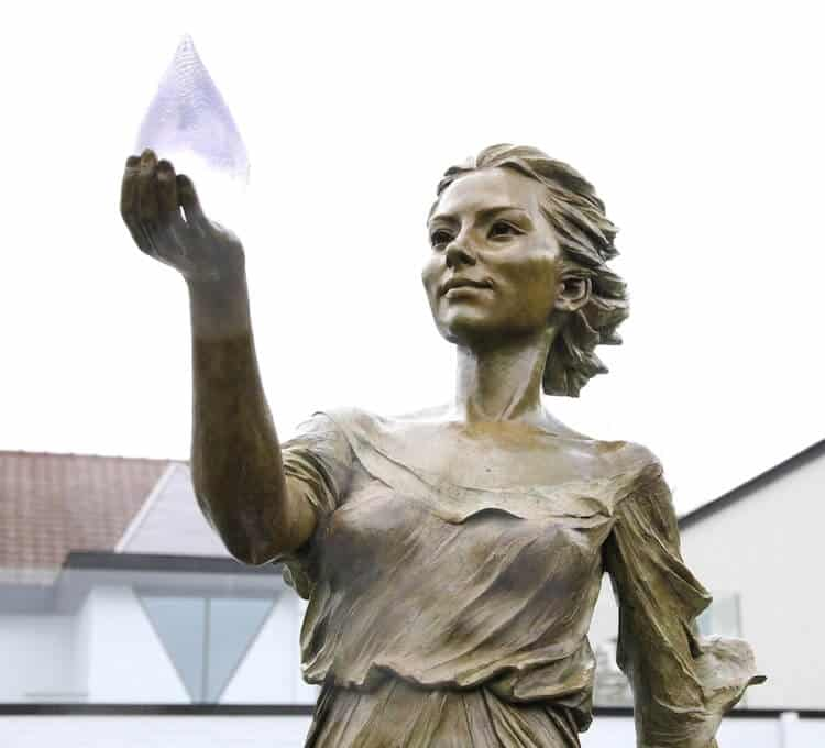 Реалистичные женские скульптуры, фото 5