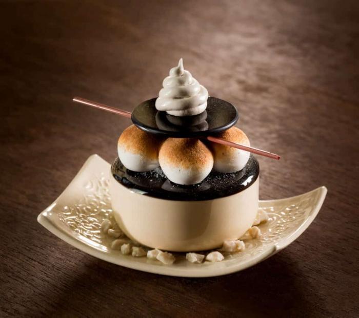 Декадентские десерты как фарфорово-стеклянные произведения искусства