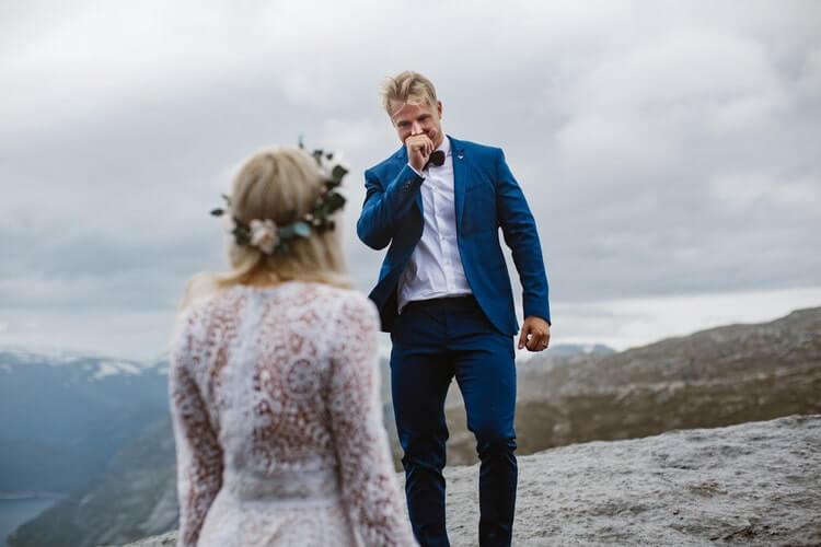 Свадебная фотосессия на Языке Тролля, фото 8