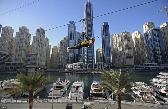 Самый длинный городской зиплайн в мире