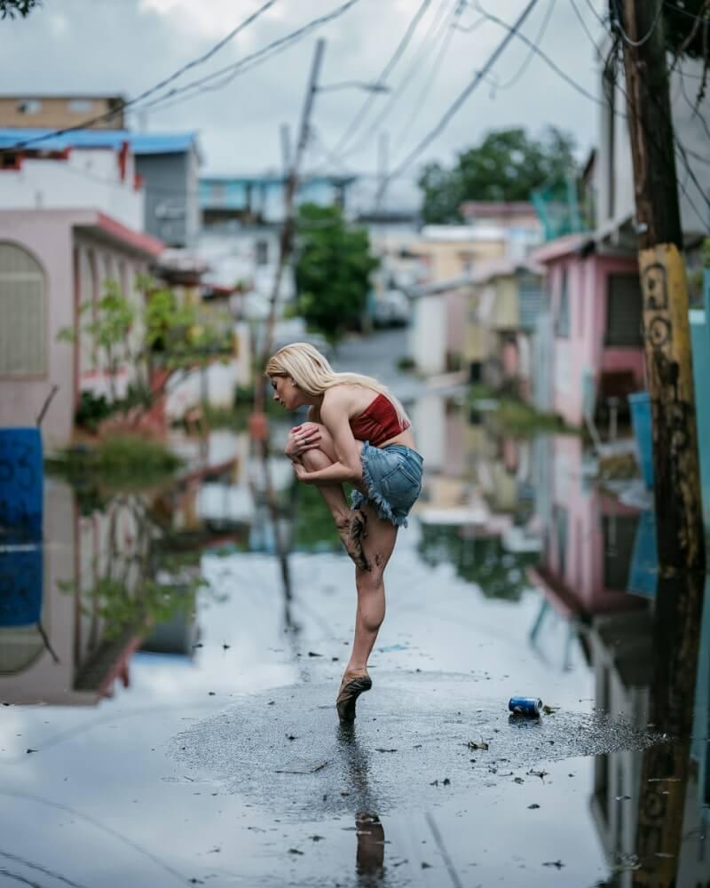 фотографии танцоров на фоне разрушений в Пуэрто-Рико, ураган Мария, фото 10