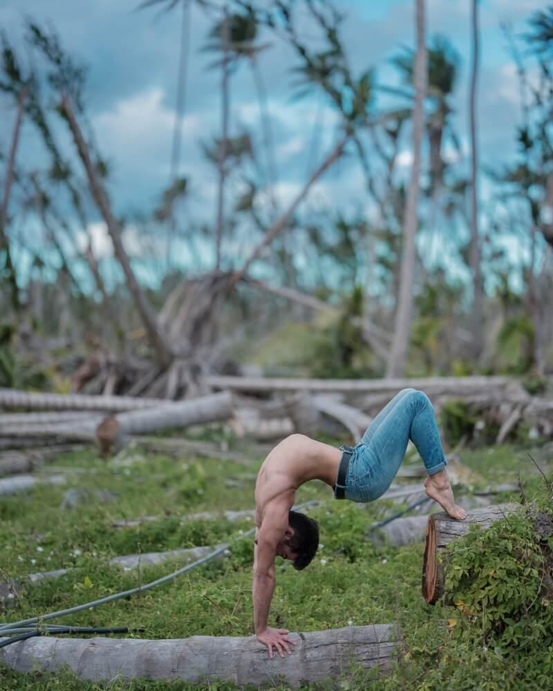 фотографии танцоров на фоне разрушений в Пуэрто-Рико, ураган Мария, фото 11