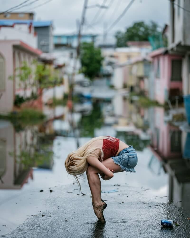фотографии танцоров на фоне разрушений в Пуэрто-Рико, ураган Мария, фото 16