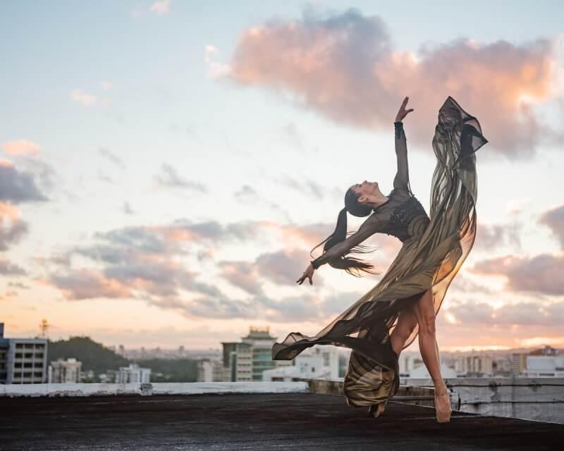 фотографии танцоров на фоне разрушений в Пуэрто-Рико, ураган Мария, фото 18