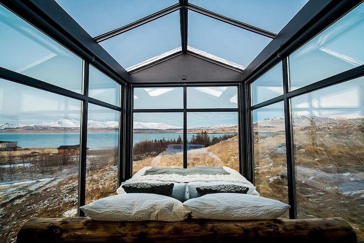 Исландский коттедж с панорамными окнами, северное сияние, фото 2
