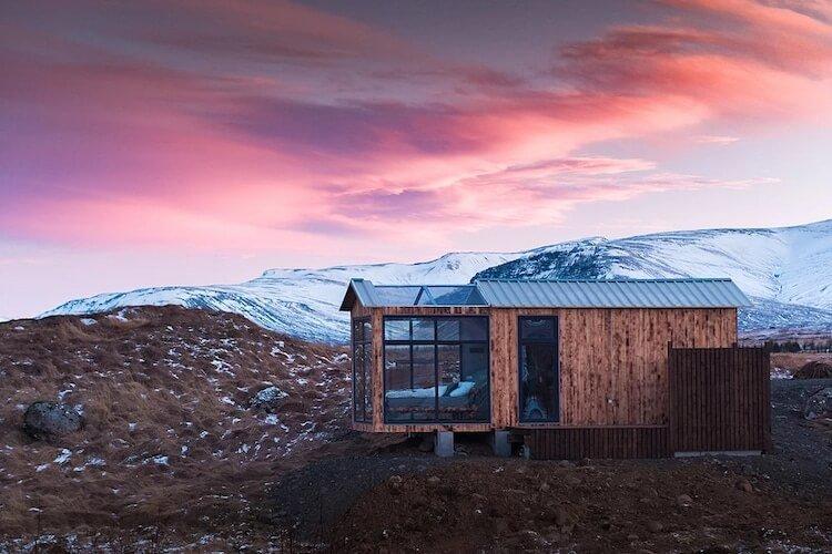 Исландский коттедж с панорамными окнами, северное сияние, фото 3