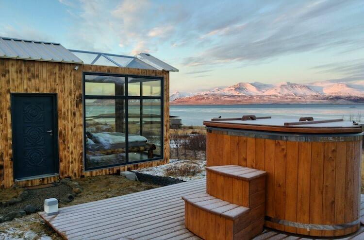 Исландский коттедж с панорамными окнами, северное сияние, фото 6