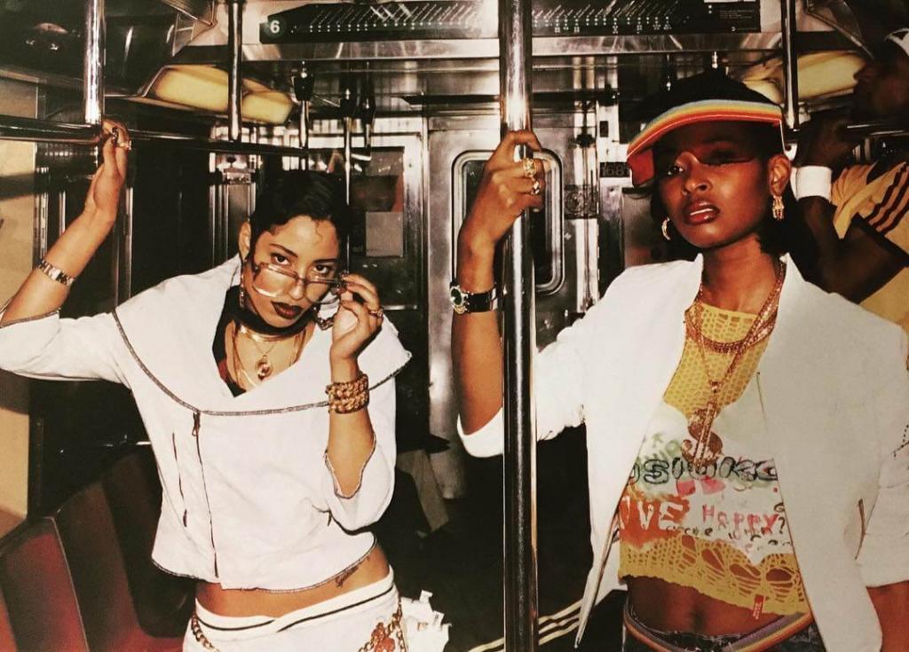 Kisha и Aicha, позади подтягивается @elvisnasco. Поезд №6 в Сохо. 2000. Стиль от Nikko.