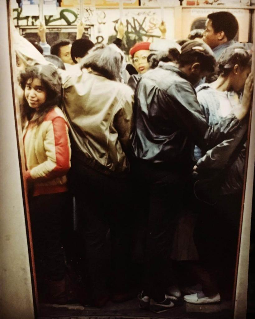 «Утро понедельника, час пик». Франклин-авеню, поезд №4. Бруклин, Нью-Йорк. 1980.